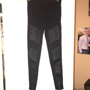 Alo yoga black Moto leggings!